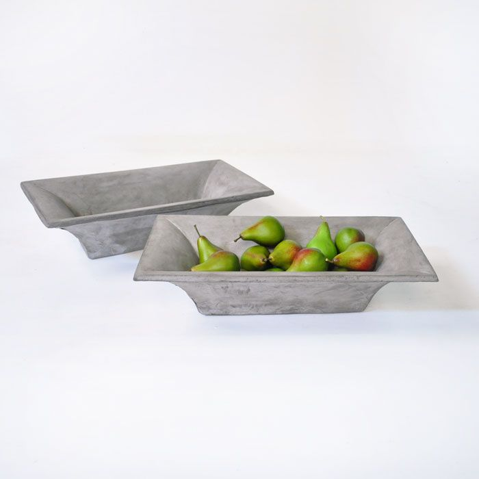Display colorful fruit or your favorite succulents in this rustic and graceful St. Tropez trough. It will make for a beautiful dining table centerpiece.