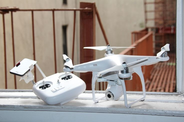 DJI Phantom 2 Vision Personal Drone-spy on your friends and family like the pros!
