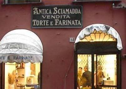 tra sciamadde e osterie nei caruggi di Genova #genoa #streetfood