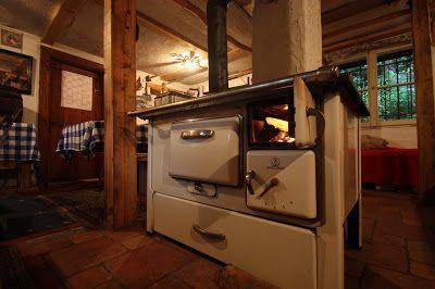 Wamsler-Ofen in der Bobkantine, Arbeiterdiensthütte am Riessersee in Garmisch-Partenkirchen