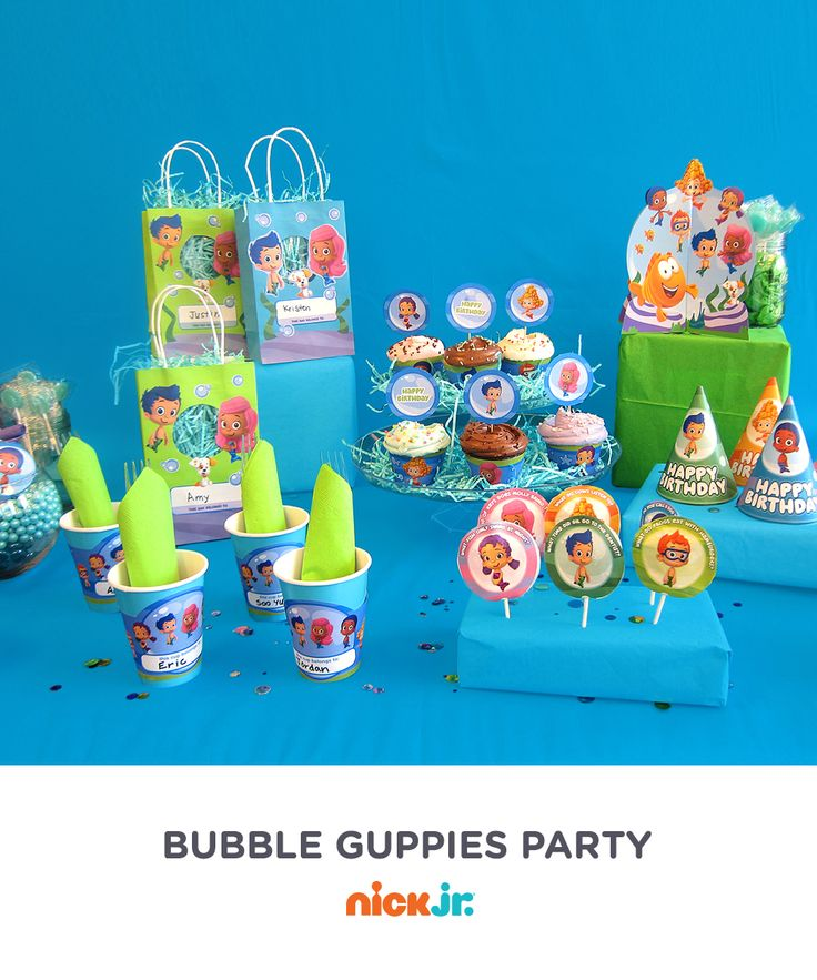 Get inspired by this full Bubble Guppies birthday party scene!