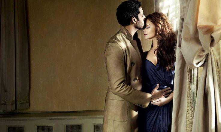 Abhishek Bachchan Kissing Forehead Of Aishwarya Rai Bachchan