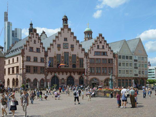 Der Frankfurter Romer Rathaus Der Stadt Tourismus Frankfurt Deutsche Landschaft