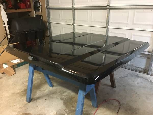 Leer 700 Series black fiberglass Tonneau cover – auto parts – by owner