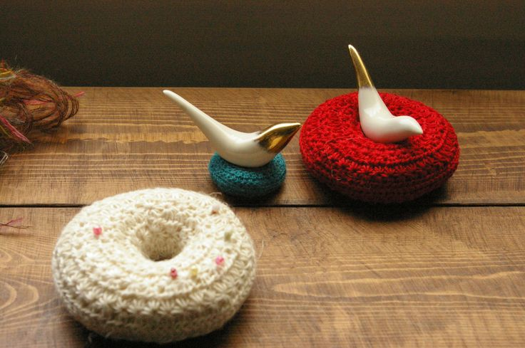 Doughnuts. For pot tea. This is a Star crochet.