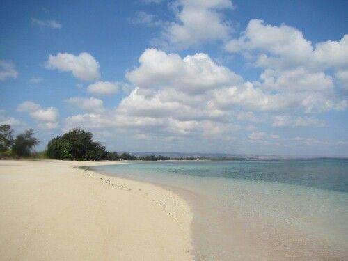 Puruk Kambera Beach