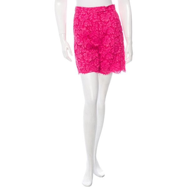 Pre-owned Valentino Lace Scalloped Shorts ($595) ❤ liked on Polyvore featuring shorts, pink, pink shorts, lace shorts, scalloped edge shorts, pink scalloped shorts and scalloped lace shorts