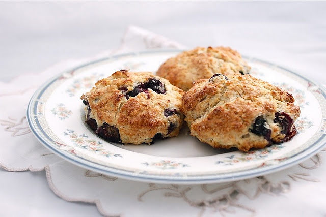 blueberry and almond scones | breakfast | Pinterest