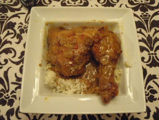 Paleo Coconut Curry Chicken | Cosmopolitan Primal Girl