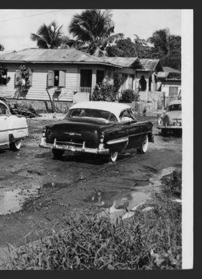 Inundaciones en la calle Tapia en Santurce, 1954 :: Fotos El Mundo 40-68