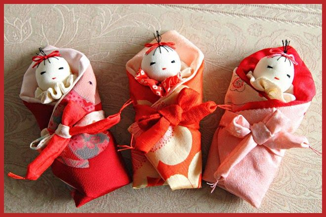 okurumi ningyoo - wrapped baby dolls With the wish that the girl will love her own babies and wrap them in love and tenderness. Also wishing for happiness of this baby.