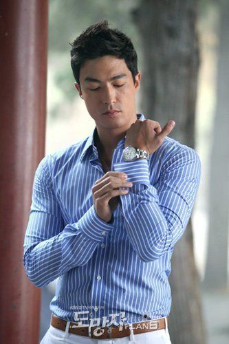 Daniel - Daniel Henney Did you check out his biceps