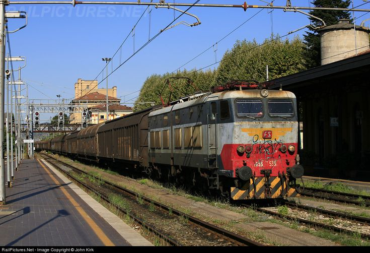 RailPictures.Net Photo: E656-539 Italian Railways FS E656 at Lucca, Italy by John Kirk
