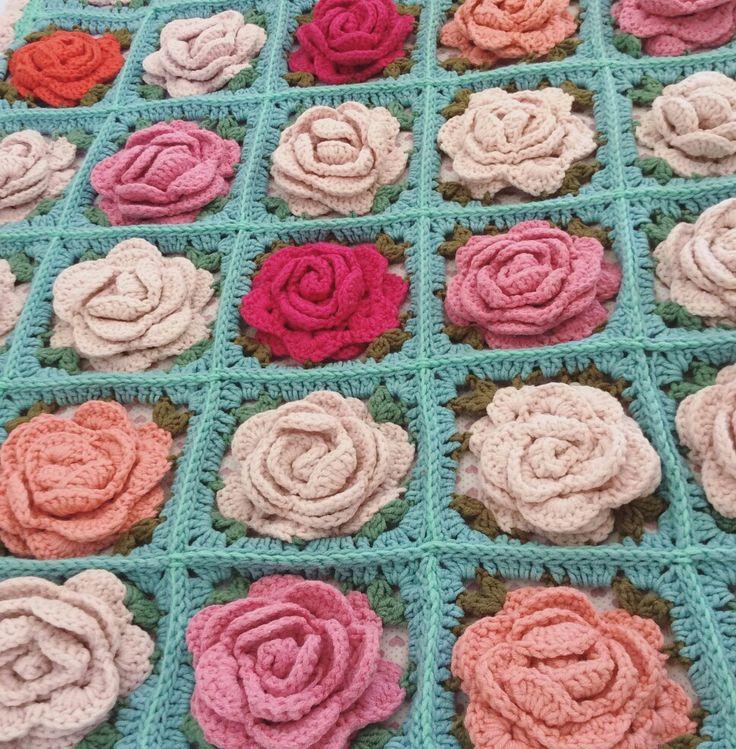 crochet shabby chic baby bohem blanket with roses. uncinetto coperta neonato con rose
