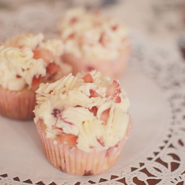 Scrumptious Strawberries 'n' Cream cupcakes at the Busy Kitchen. - The Busy Kitchen