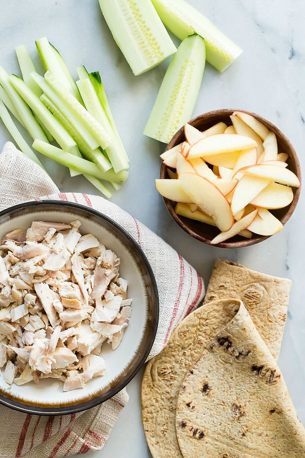 EASY CHICKEN WRAPS WITH CUCUMBER AND APPLE