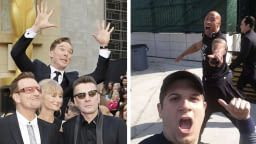15 Comical Moments When Celebrities Photobomb Your Photo