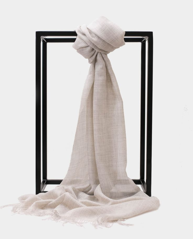 Szal alpaka jedbaw Exclusive Inti Jasny szary shawl scarf light grey 70% BABY ALPACA + 30% SILK Made in Peru