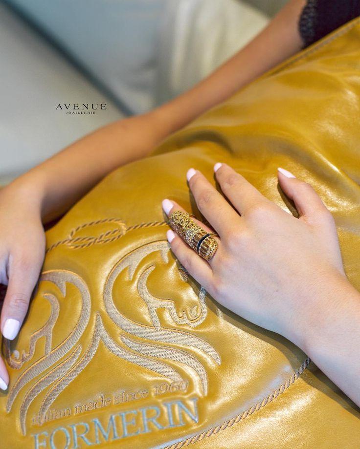 Если Вы любительница всего нового стильного и модного и всегда стремитесь выделиться из толпы то кольцо из розового золота от #Bochic инкрустированное бриллиантами и изысканной полоской с черной эмалью это то что Вы искали! Такое кольцо придаст необыкновенную изюминку Вашему повседневному образу и дерзко подчеркнет Ваш вечерний облик!  #jewellery #earrings #ring #necklace #bracelet #pendant #gold #diamonds #beauty #women #avenuevsco #vscogood #vscobaku #vscocam #vscobaku #vscoazerbaijan…