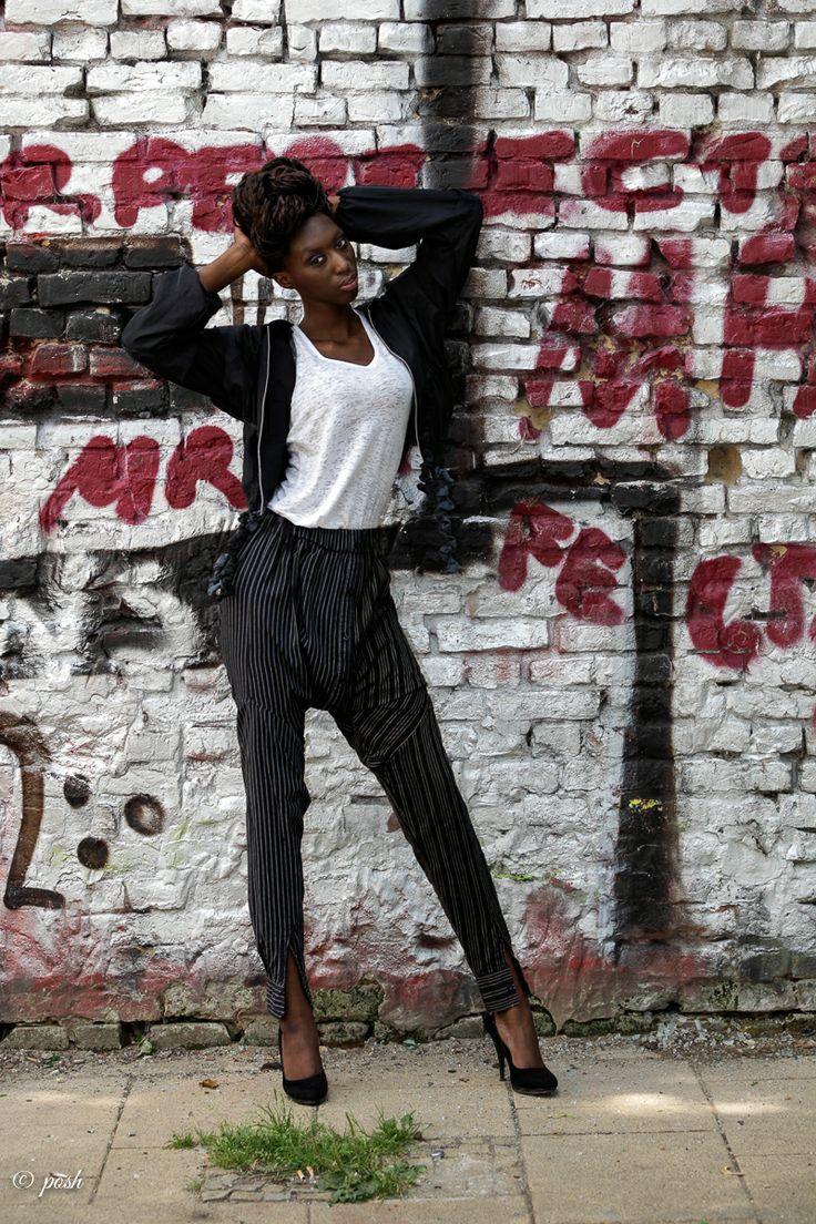 Jacket: GoodOne, tanktop: Reet Aus, pants: Virginia Rondeel, shoes: models own Foto: www.posh-photographie.com Model: Fatou