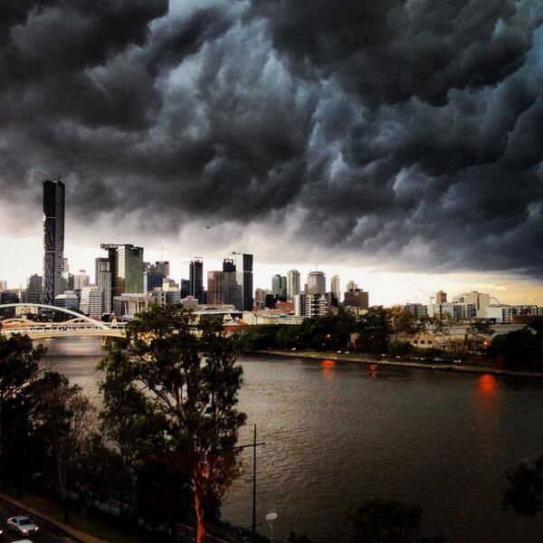 "From ""Brisbane storm - Nov 14"" story by ABC News on Storify — http://storify.com/abcnews/brisbane-storm-nov-14"