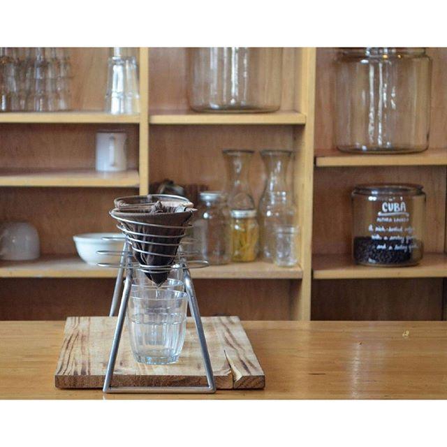--- I Fell in Love with @merchantsofgreencoffee Today! Cozy Cafe with Free Wifi &  Tons of Seating/Workspace. --- #coffee #fairtrade #organic #hondurancoffee #rwandancoffee #nicaragua #cuba #filtercoffee #freshroasted #freshcoffee #steepandfilter #fruit #nutty #citrus #caffeine #merchantsofgreen #cafe  #jam #factory #industrial #IGoEastofYonge #eastsideto  #torontocoffee #torontocoffeeculture #coffeeaddict #coffeelover #coffeeshop #cozy #cozycafe #naturallight