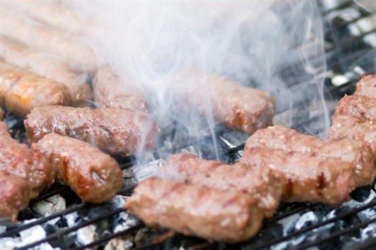Кебабчета рецепт: колбаски из мясного фарша жареные на гриле