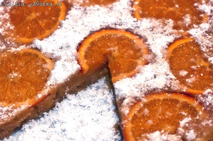 Апельсиновый торт - это очень простой фруктовый десерт, на приготовление которого уходит не более часа, включая время выпечки.