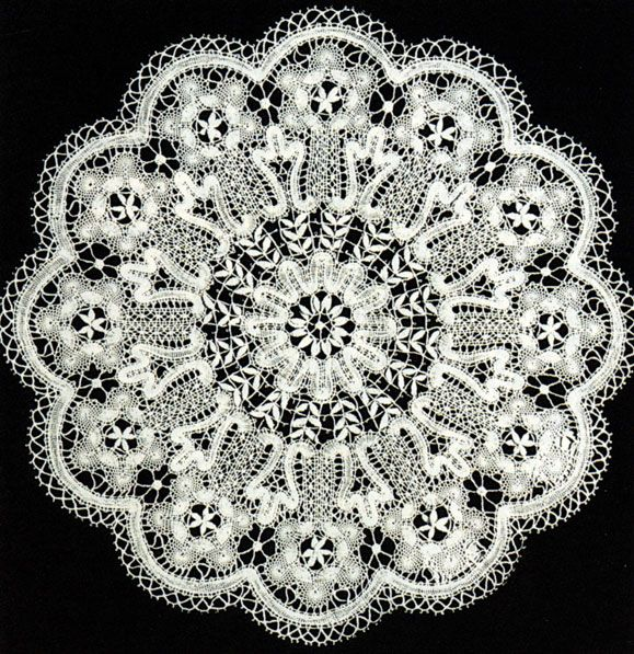 Russian bobbin lace doily. #beauty #design #lace #Russian