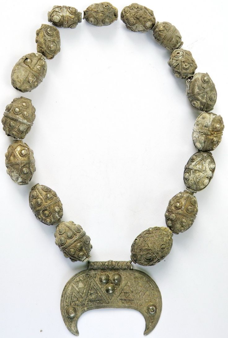 9th century necklace, from the Viking era. #AncientNecklace #AncientJewelry