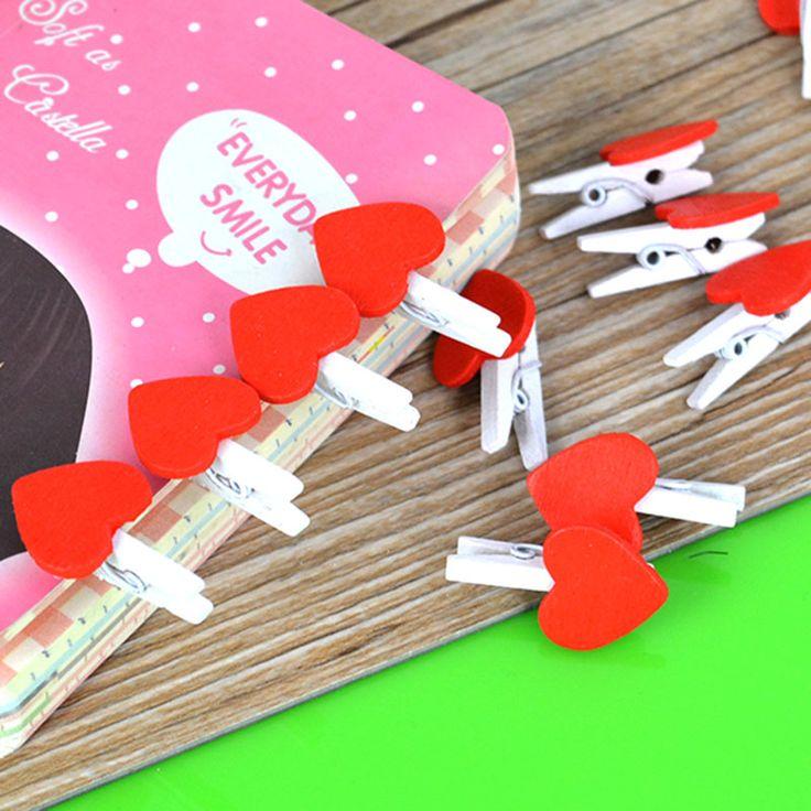 Купить товарВ форме сердца деревянные колышки красный бумаги фото клипы ремесло свадебный декор любовь 20 шт. в категории События и праздничные атрибутына AliExpress.         Материал  : Деревянные          Цвет: красный          Размер: 36*20*11 мм          Количество: 20 шт.