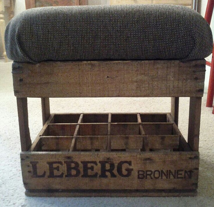 Soda Crate Foot Stool #diy #upcycle #wine #crate #fabric #cushion #seat #chair #decor