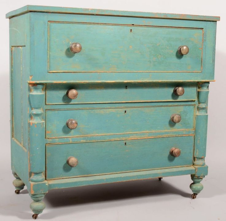 523: Blue Painted Softwood Empire Chest of Drawers. Fou : Lot 523