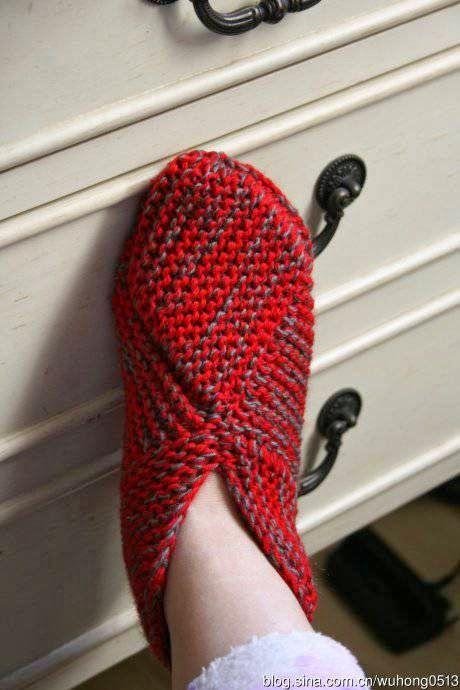 Oi amigas (os)! Pantufas com quadrado perfeito em trico: como fazer o quadrado perfeito aqui: http://domihobby.ru/966-tehnika-vyazaniya... Mais