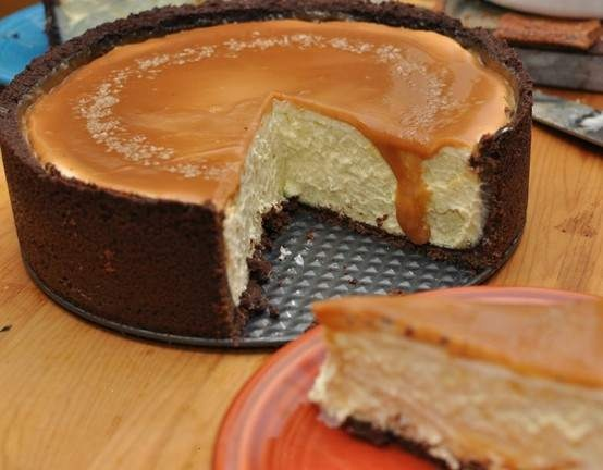 vanilla bean cheesecake with chocolate crust and salted caramel.hell yeah!