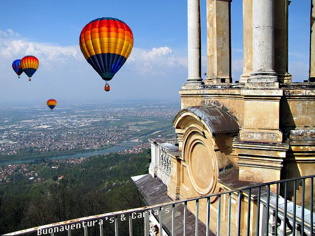 Palloni aerostatici a Superga (Torino - Italia) - Hot- air balloons at Superga (Turin - Italy) | Flickr - Photo Sharing!   Discover and collect amazing bucket lists created by local experts. #Torino #travel #local #bucket #list #bucketlist  www.cityisyours.com/explore