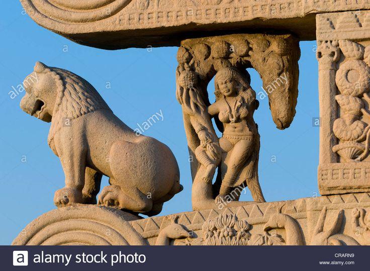 stupas-of-sanchi-unesco-world-heritage-site-built-by-king-ashoka-mauryan-CRARN9.jpg (1300×953)