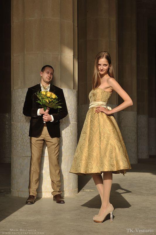 Свадебное платье из золотой парчи