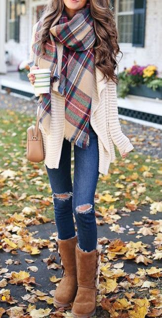 Comfy Scarf fall outfits for women #cuteoutfits #womenoutfits #outfitinspo #styl…