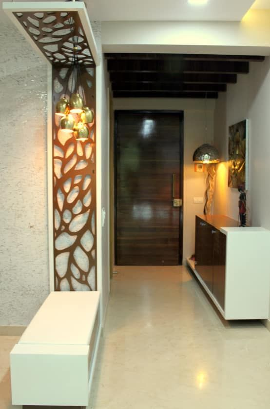 Your small entrance hall can be easily styled with these easy tips. #Entrancehalls