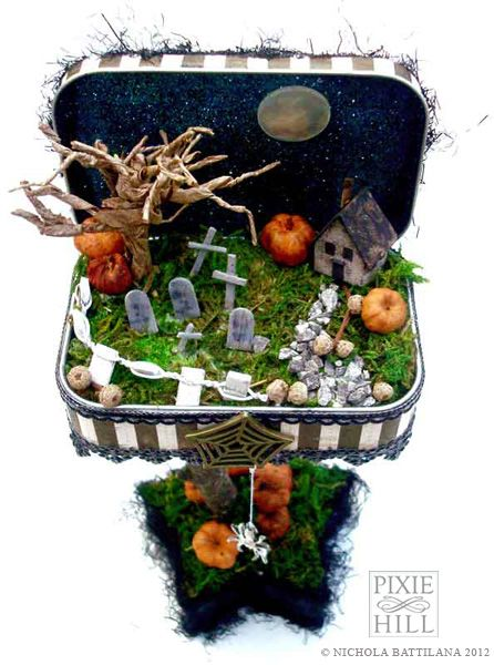 halloween altoid diorama so cute love the graves the huge pumpkins and the starry glitter sky with the full moon - Miniature Halloween Decorations