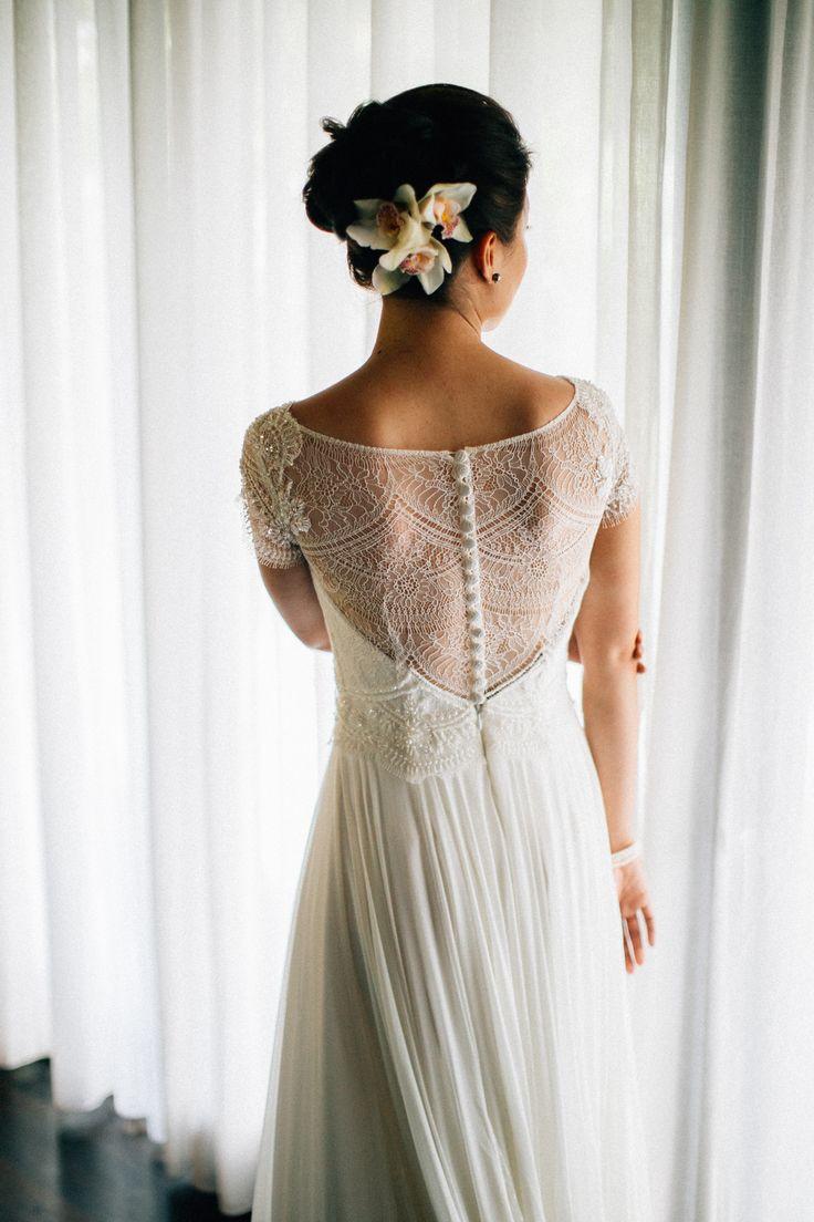 Alia Bastamam lace wedding dress. Taman Ahimsa, Bali.