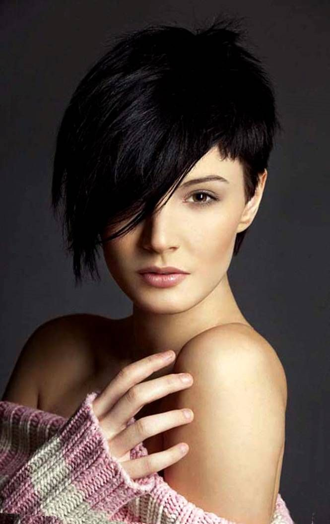 36 best cheveux courts images on pinterest shortish hairstyles hair cut and short hairstyle - Coupe courte femme avec frange ...