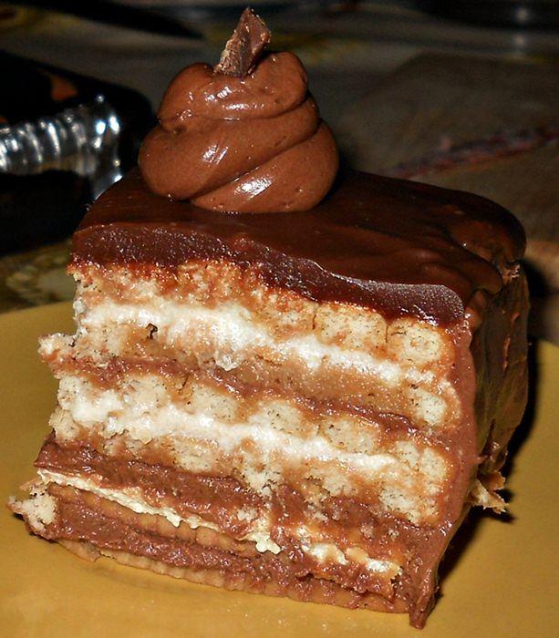Reteta culinara Desert tort de biscuiti din categoria Torturi. Cum sa faci Desert tort de biscuiti