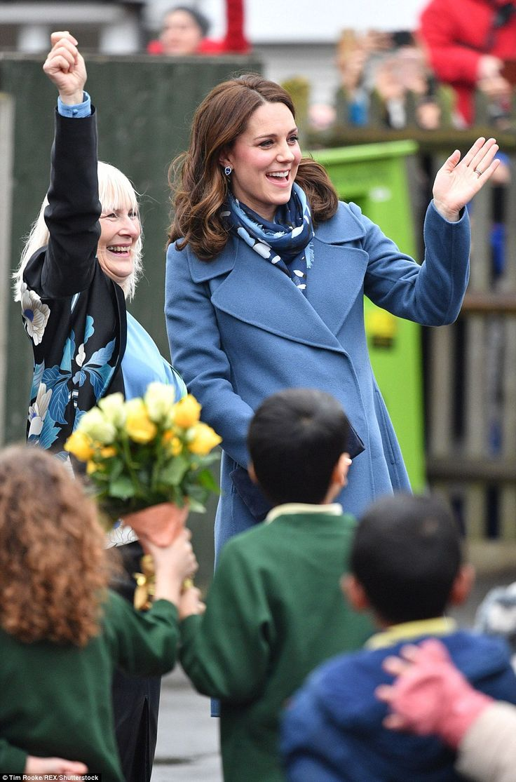 The Duchess of Cambridge greeted students enthusiastically in the playground as she arrive... #katemiddleton #royals