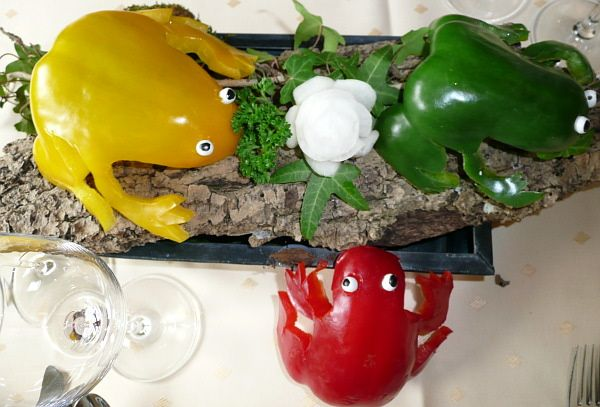 Frogs made out of peppers