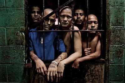 Members of the Barrio 18 gang at the Quezaltepeque prison in Quezaltepeque, El Salvador, Aug. 16, 2012. (Photo: Tomas Munita / The New York Times)