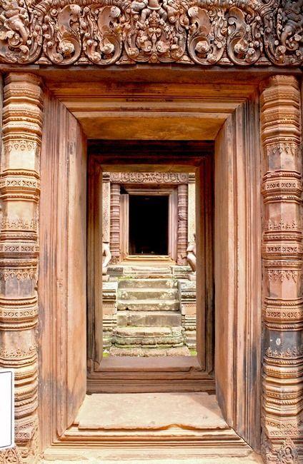 doors within doors: The Doors, Mark Seller, Knockers Belle, Keys Knockers, Doors Gat, Doors Entryway, Doors Locks Knockers Keys, Doors Knockers Hardware, Architecture Port