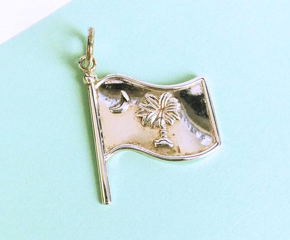 See new listings daily - follow us for updates.  Vintage Sterling Silver Charm, South Carolina #Flag #Pendant, Charm Bracelet Accessory Signed #Best, State Charm, State Jewelry, State Pendant, Gift for Her, Palm Tree, Cresce... #vintage #jewelry #teamlove #etsyretwt #bestofetsy #mimisjewelryboutique #flag #pendant ➡️…