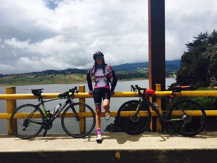 Represa del Sisga, Vía Bogota-Tunja. Espectacular!! 😍